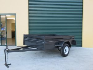 what is a box trailer