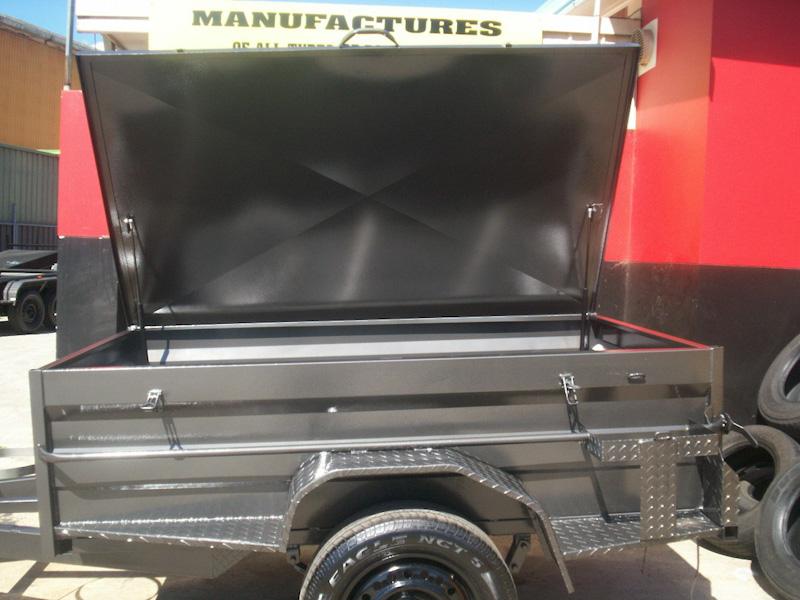 CL005-flat-side-hinge-lid-3-large