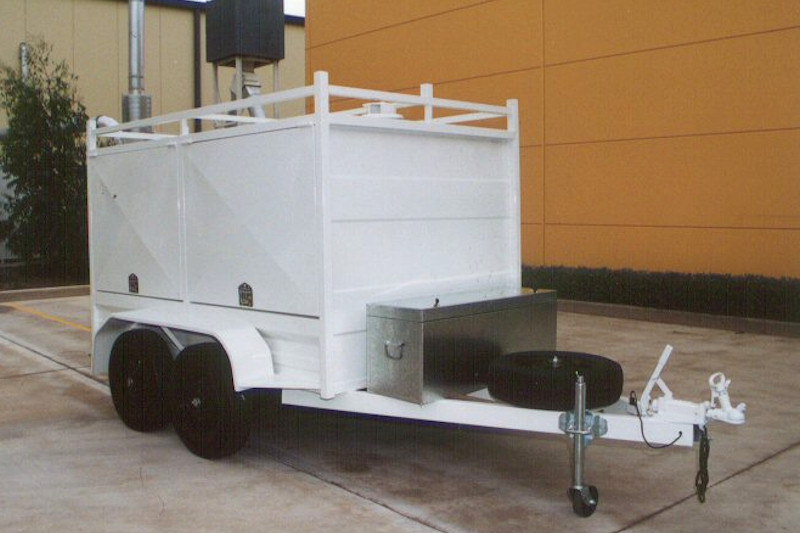 CL016-enclosed-trailer-with-double-side-doors-4-large (1)
