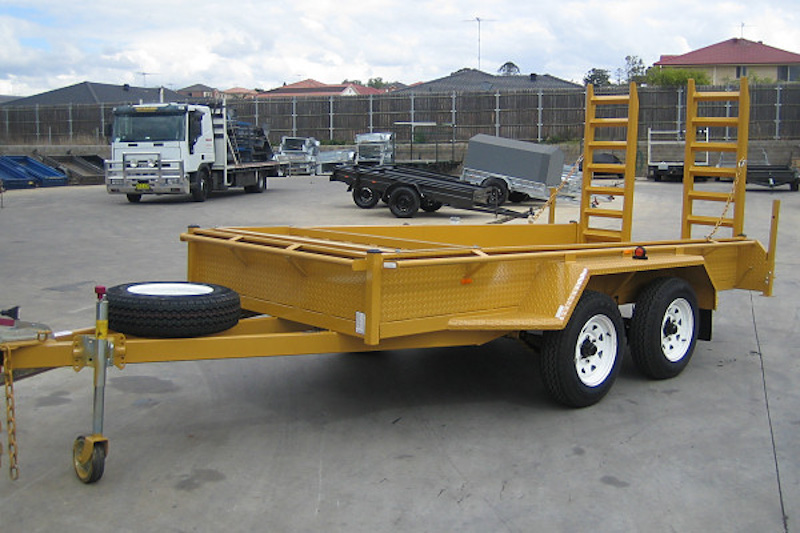 CL042-tandem-plant-trailer-with-ramps-large