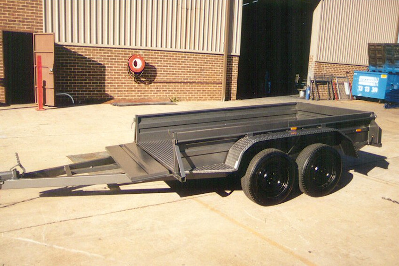 CL045-tandem-trailer-with-front-tailgate-large