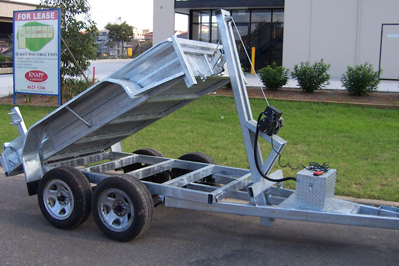 CL049-electric-winch-tipper-trailer-2-large (4)