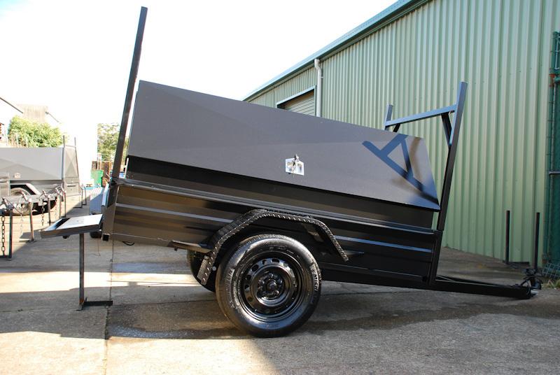 CL057-pmg-tradesman-large