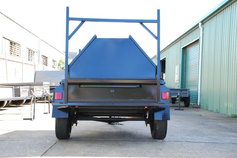 CL059-pmg-tradesman-2-large