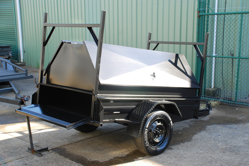 CL060-pmg-tradesman-with-tailgate-access-large