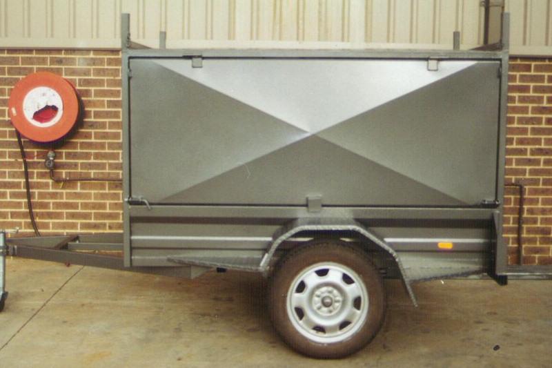 CL063-square-tradesman-large