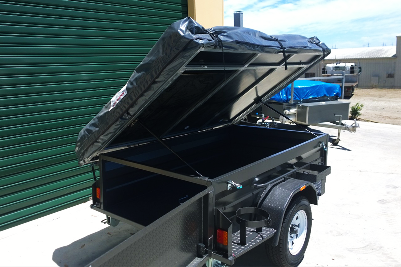 AUCMP11 camper trailer with tent large