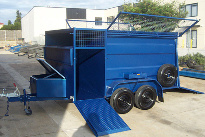 """alt=""""CL023 lawn mowing trailer with caged roof and tailgate ramp"""""""