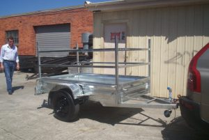 CL029-box-trailer-with-furniture-frame-large