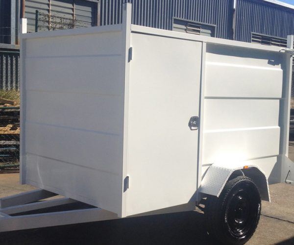 CL020-enclosed-trailer-eith-side-door-3-large