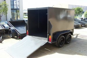 CL018 enclosed trailer with ramp door 3 large